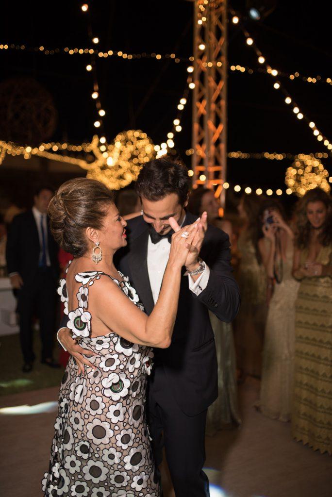 Mykons-wedding-photographers-175-684x1024.jpg