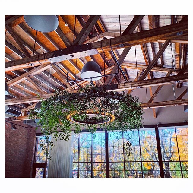 #repost via @dark_and_diamond . . We love collaborating with other vendors to create unique and inventive installations for our clients. Here is one of our recent collaborations: our floral ring chandelier, decorated with greens by the incredible @dark_and_diamond at @roundhousebeacon. . . #lnjwedding #lnjweddings #weddingdesign #weddinglights #weddingchandelier #floralchandeliers #greenerychandelier #roundhousebeacon #roundhouseweddings #hudsonvalleyweddings #upstatenywedding