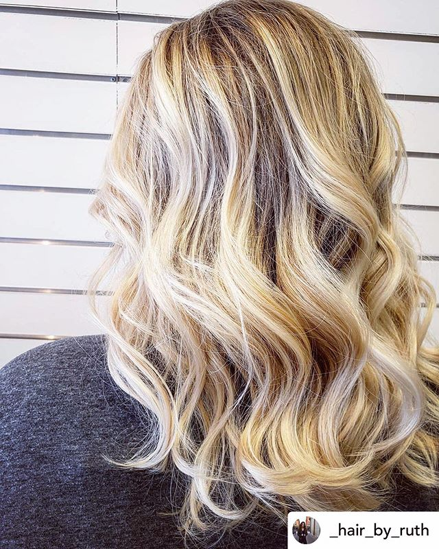 Finally reached that perfect blonde! Check out this gorgeous balayage by @_hair_by_ruth 🌻 Book now to get your perfect blonde for this summer 🌸 • • • #coloradohairstylist #nocohair #lovelandhair #lovelandhairstylist #vjamessalon #blonde #blondebabes #babylights #balayage #roots #coloradohair #instabeauty #hairstylist #hairsalon #hairtrends2019 #loveyourself #treatyourself #eyelashextensions #nocolashes #entrepreneur #womenempowerment