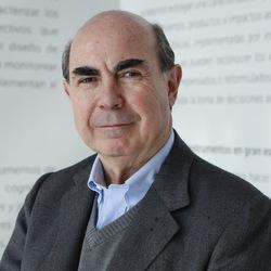 Roberto Méndez, Profesor de la Escuela de Gobierno de la Pontificia Universidad Católica de Chile
