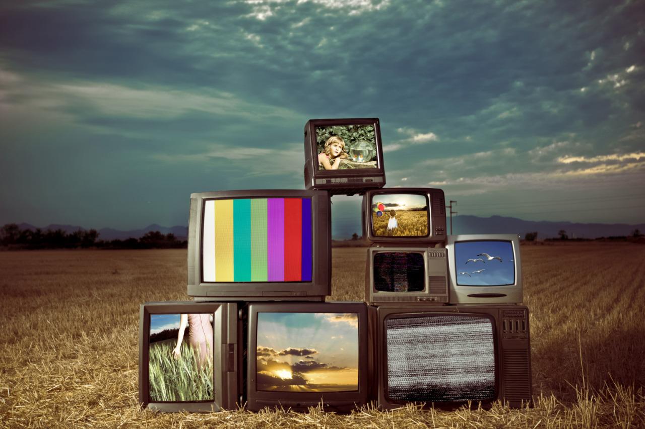 tv wall.jpg