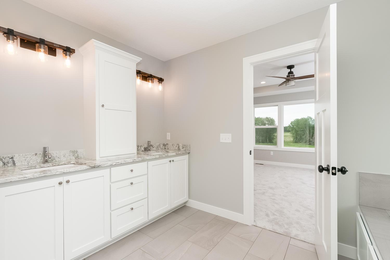 2064 Cypress St Lino Lakes MN-large-016-21-Master Bathroom-1500x1000-72dpi.jpg