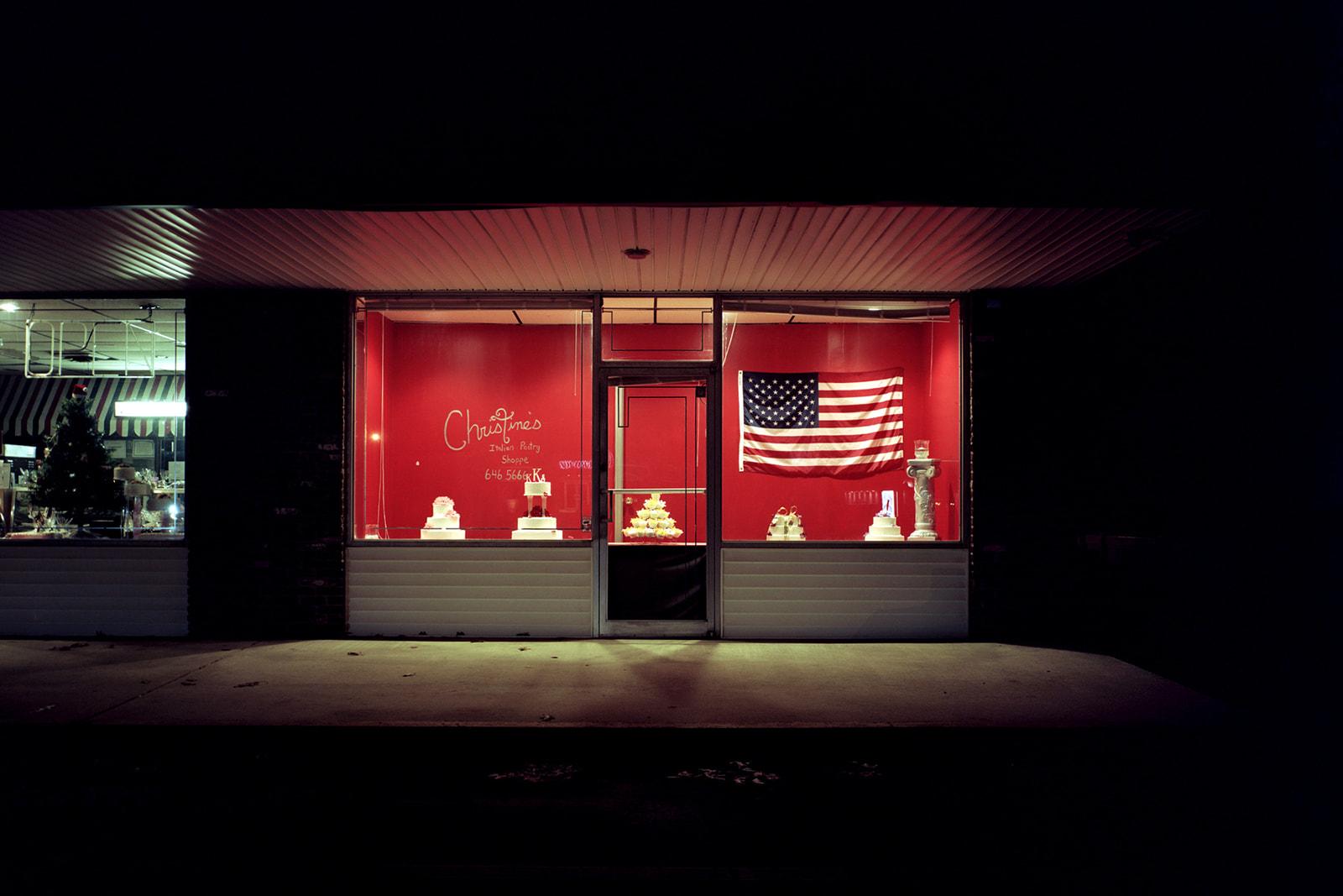 AmericanFlagCakeShop.jpg