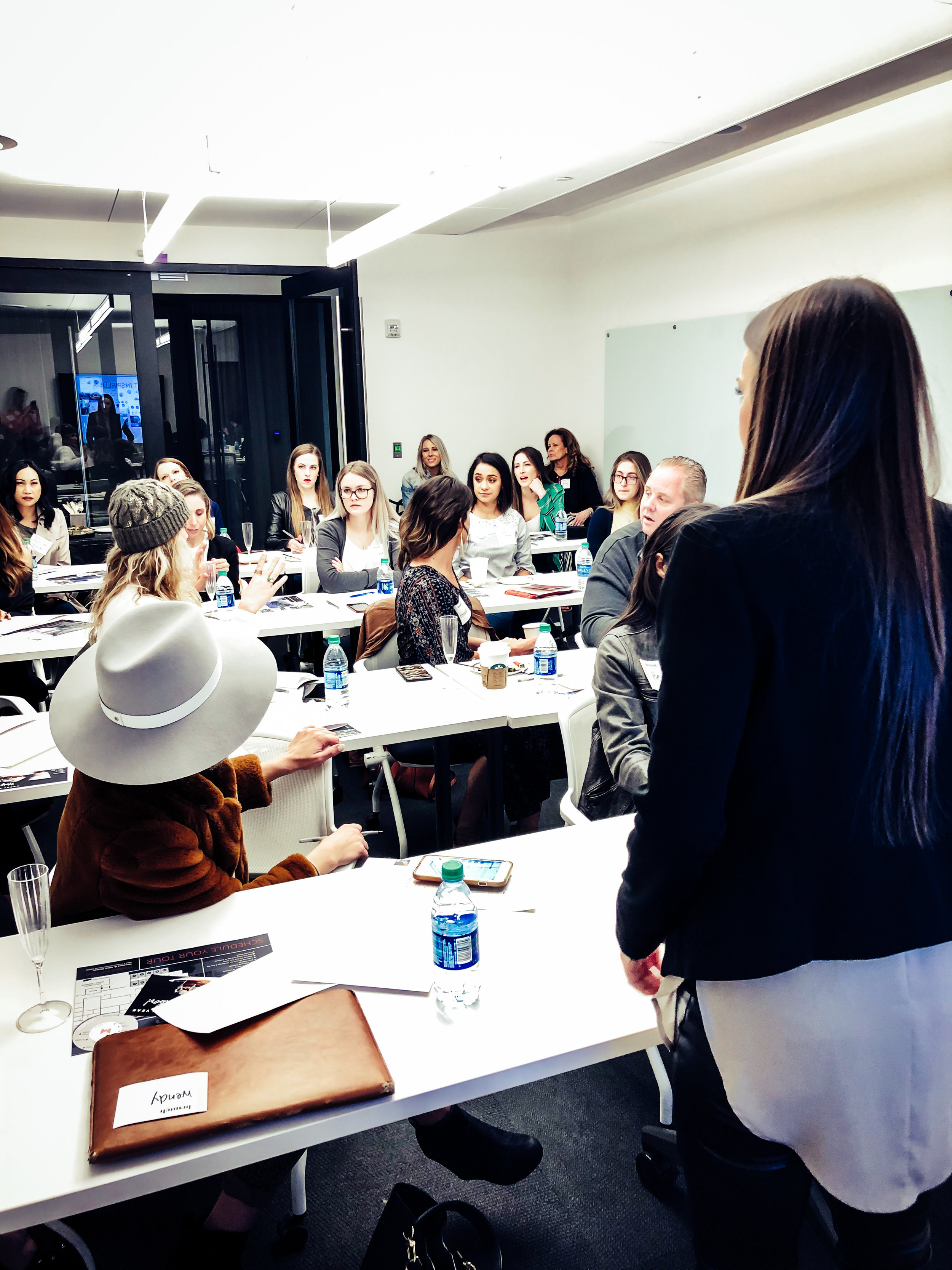 Tell your Story - Brunch with Catie MenkeFeaturing Carly Gilleland of The Good Vibe MediaFebruary 23, 2019 | 11AM | The MarilynNetworking + Videography Workshop
