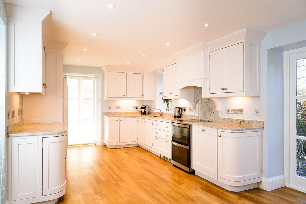 Bright Kitchen Design.jpg
