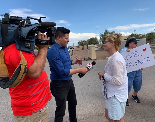 Another great #CitizenPresence update: while awaiting arrival at Clint Detention Center of DHS Acting Secretary Kevin McCleenan (who never appeared) @telemundo interviewed #CitizenPresence volunteers who were there protesting! Getting out the word! #closethecamps #dontlookaway