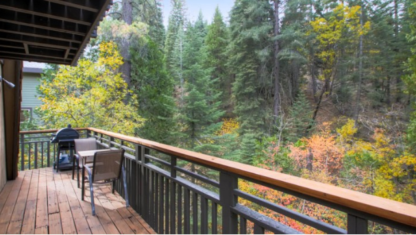 Outdoor balcony with a nice grill! Perfect spot to enjoy the fall colors.