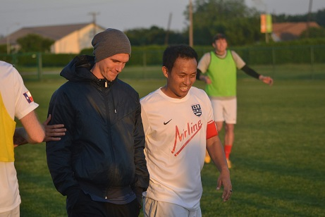 Zach Loyd: I wish I had a jersey to wear  Captain Ying Kaping: You have to make the team to get a jersey, brother
