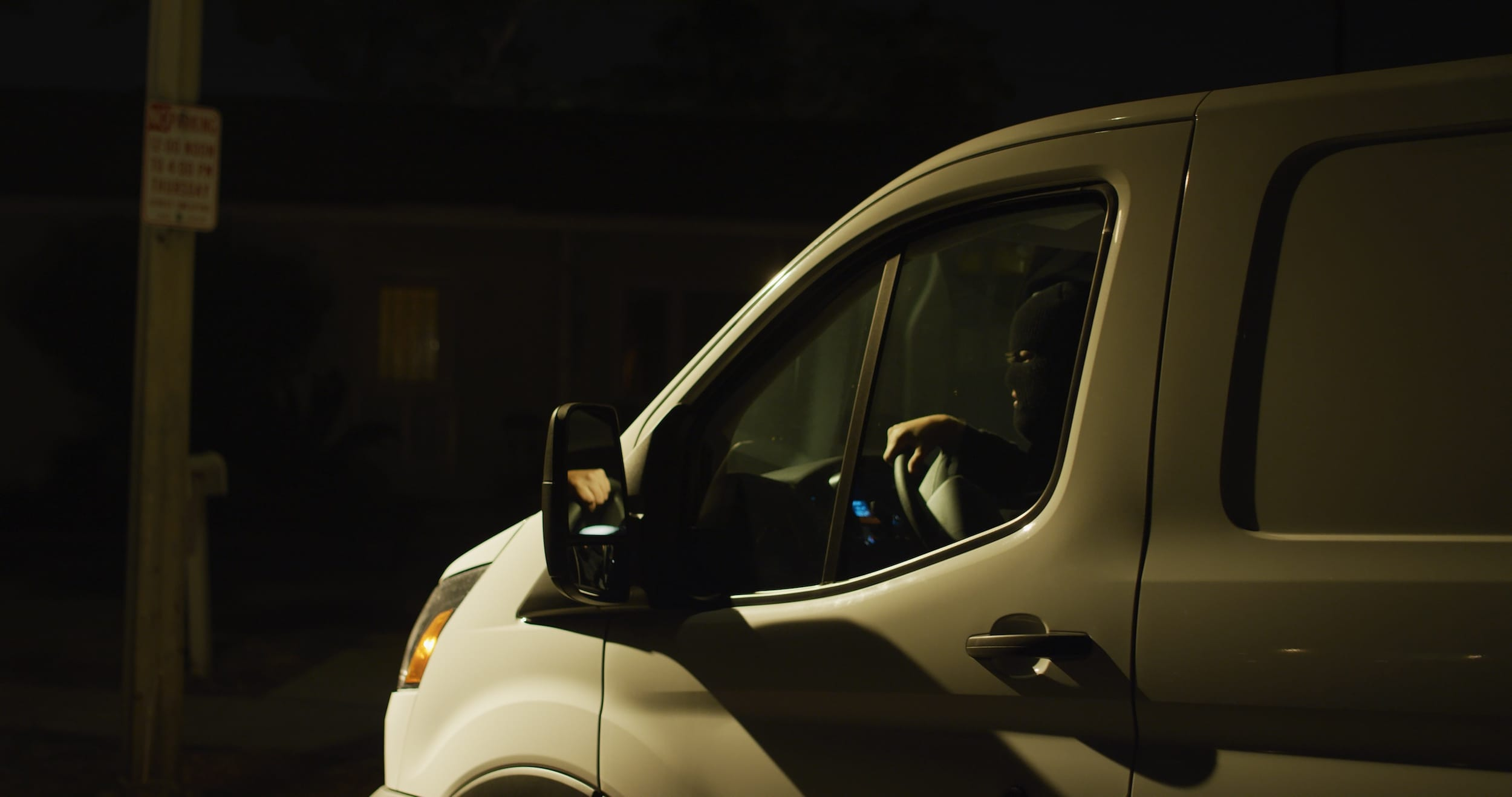 Driver pulls up in his menacing white van