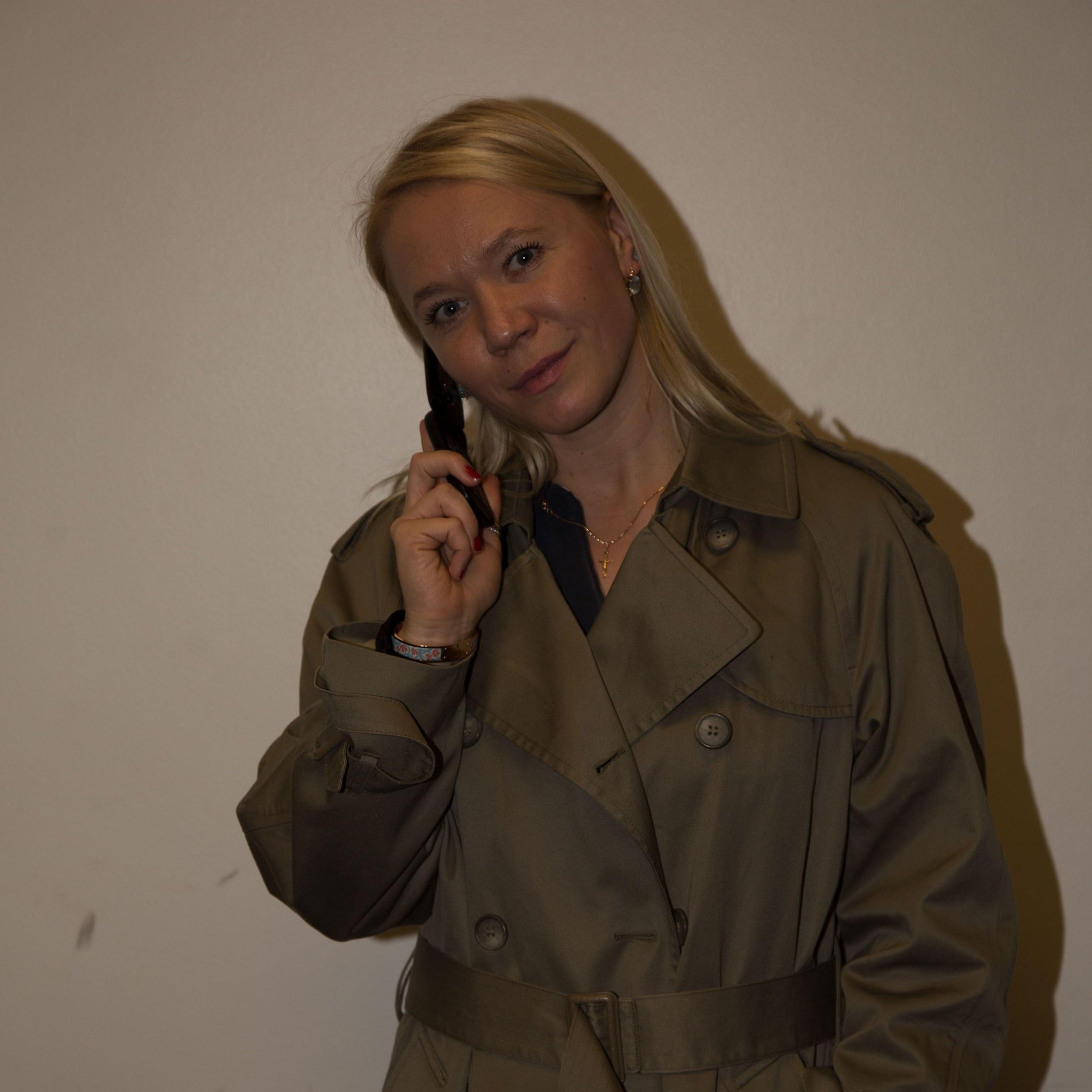 Irina Kompa (Sarah) Testing Wardrobe.