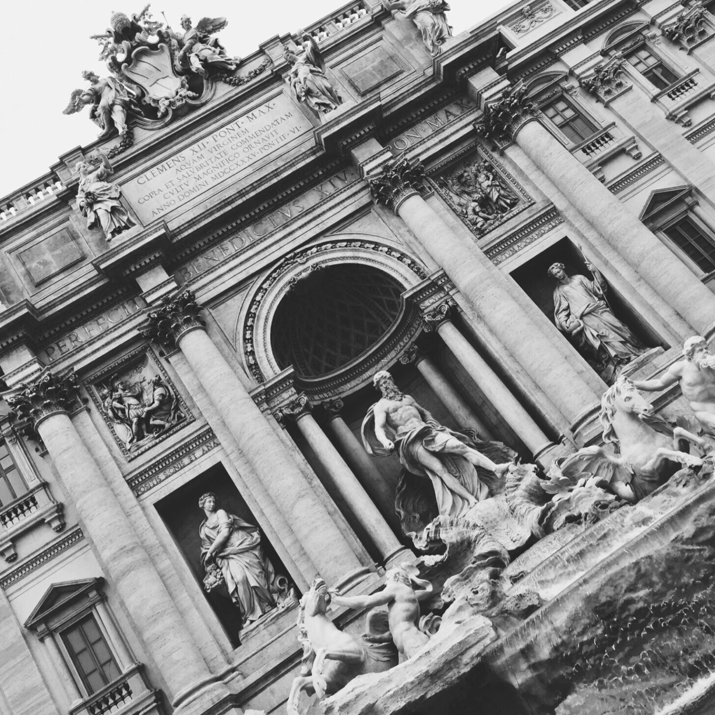 The Trevi Fountain in black and white… (I mean, it does look cool)
