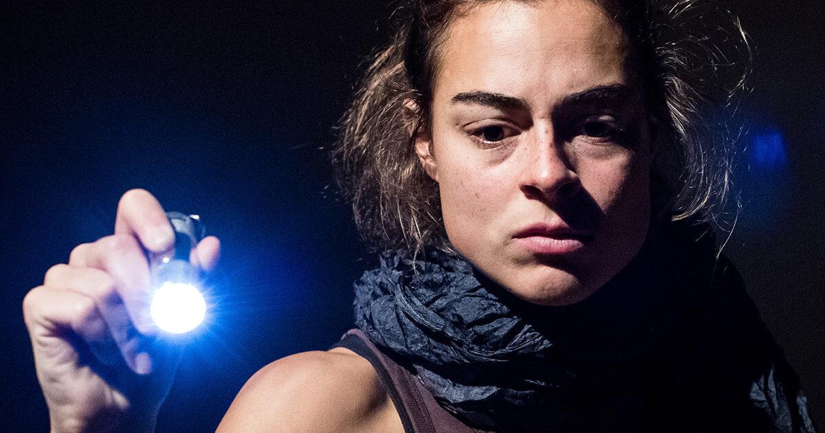 Irene-Smordal-Engelen-fra-Kobane_03_Foto-Thor-Brodreskift_1200x1500px2.jpg
