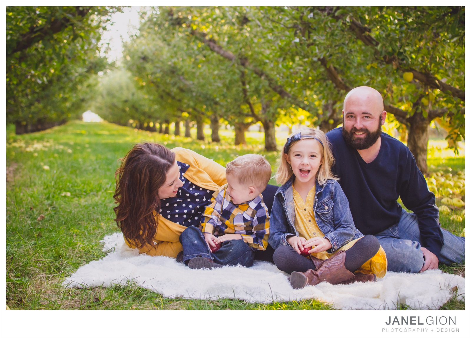 North-Idaho-Family-Children-Photographer-Year-in-Review-Contest-2013-Lifestyle-Family-Portraits-by-Janel-Gion-Photography_0049.jpg