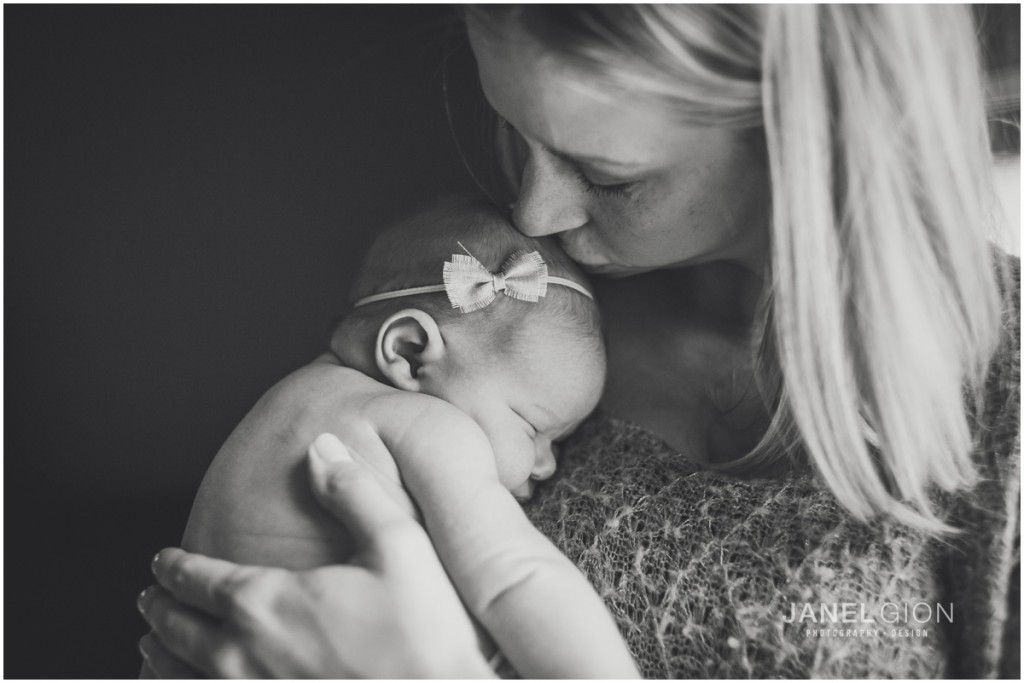 Sandpoint-Idaho-Newborn-Photographer-Lifestyle-Portraits-by-Janel-Gion_0015