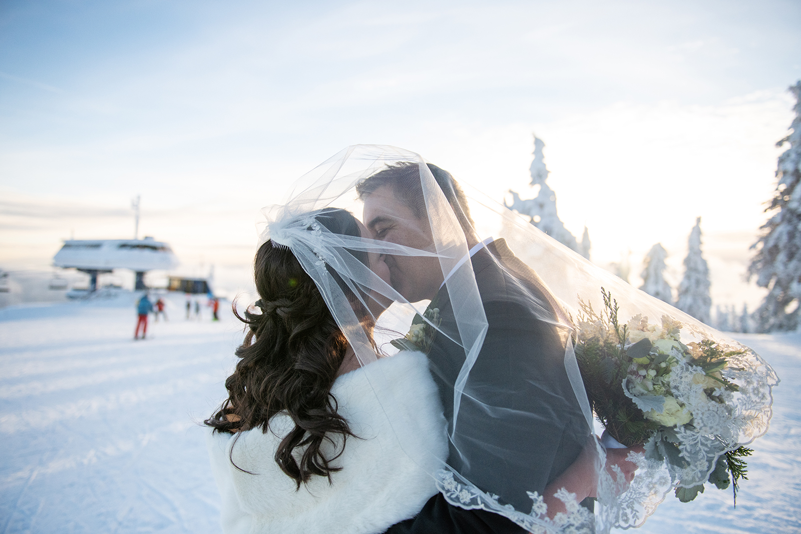 Janel-Gion-Wedding-Photographer-KristinRon-Sandpoint-Idahojpg