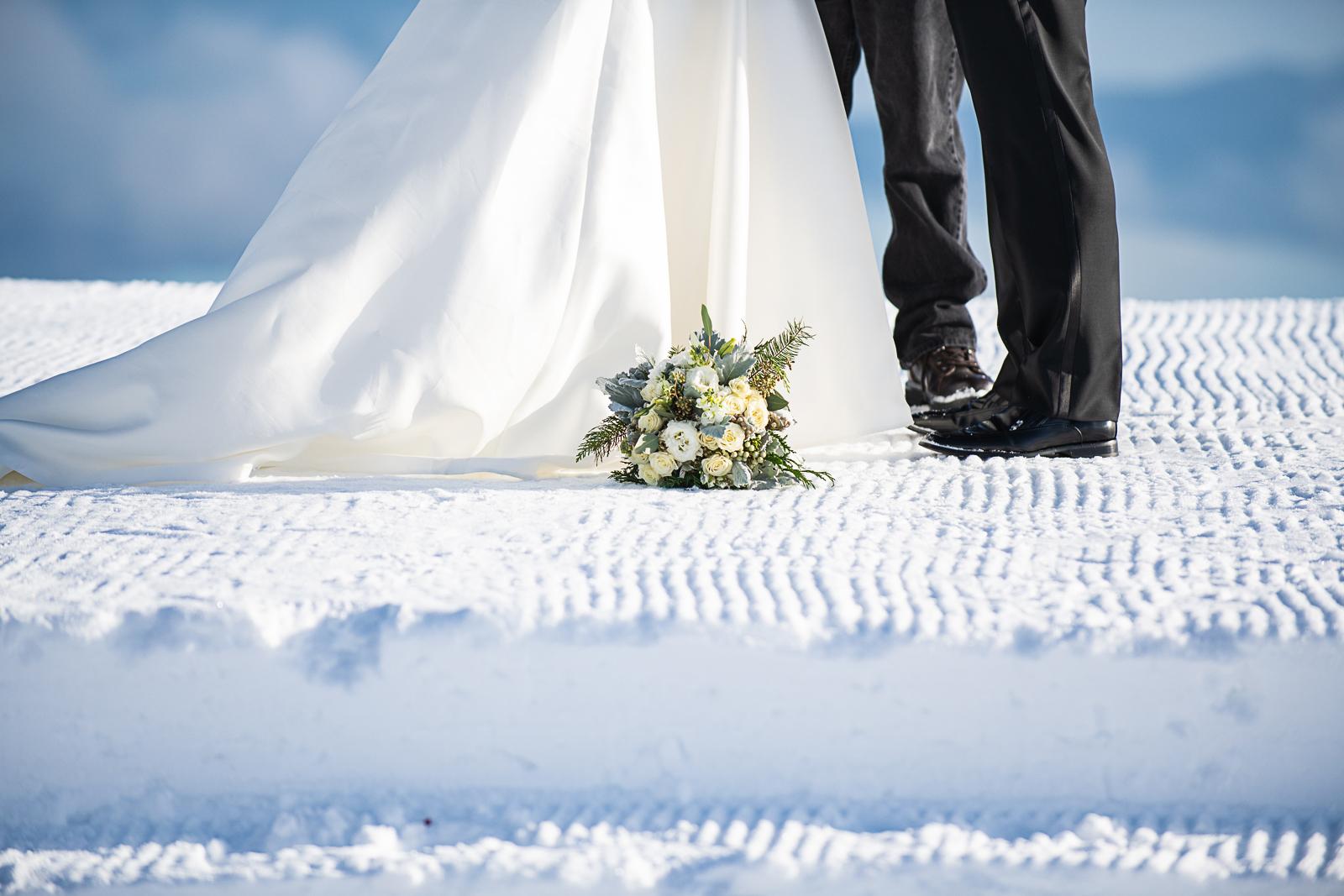 Janel-Gion-Wedding-Photographer-KristinRon-SchweitzerMtn-Idaho-2.jpg