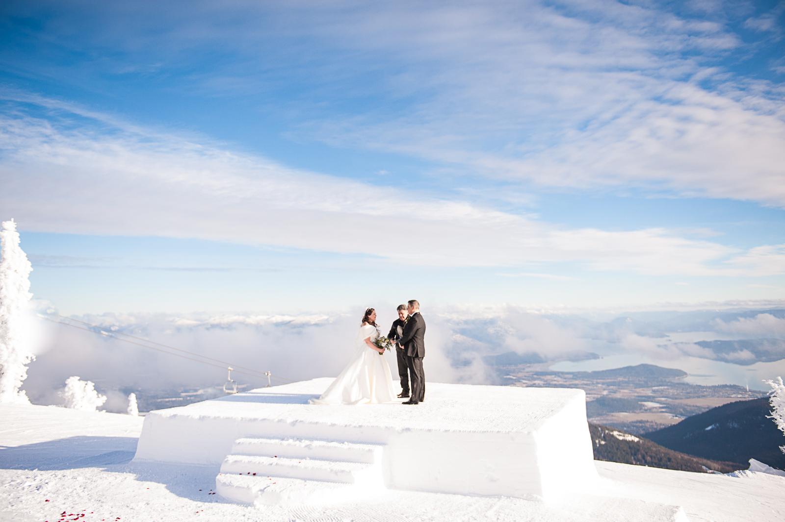 Janel-Gion-Wedding-Photographer-KristinRon-SchweitzerMtn-Idaho.jpg