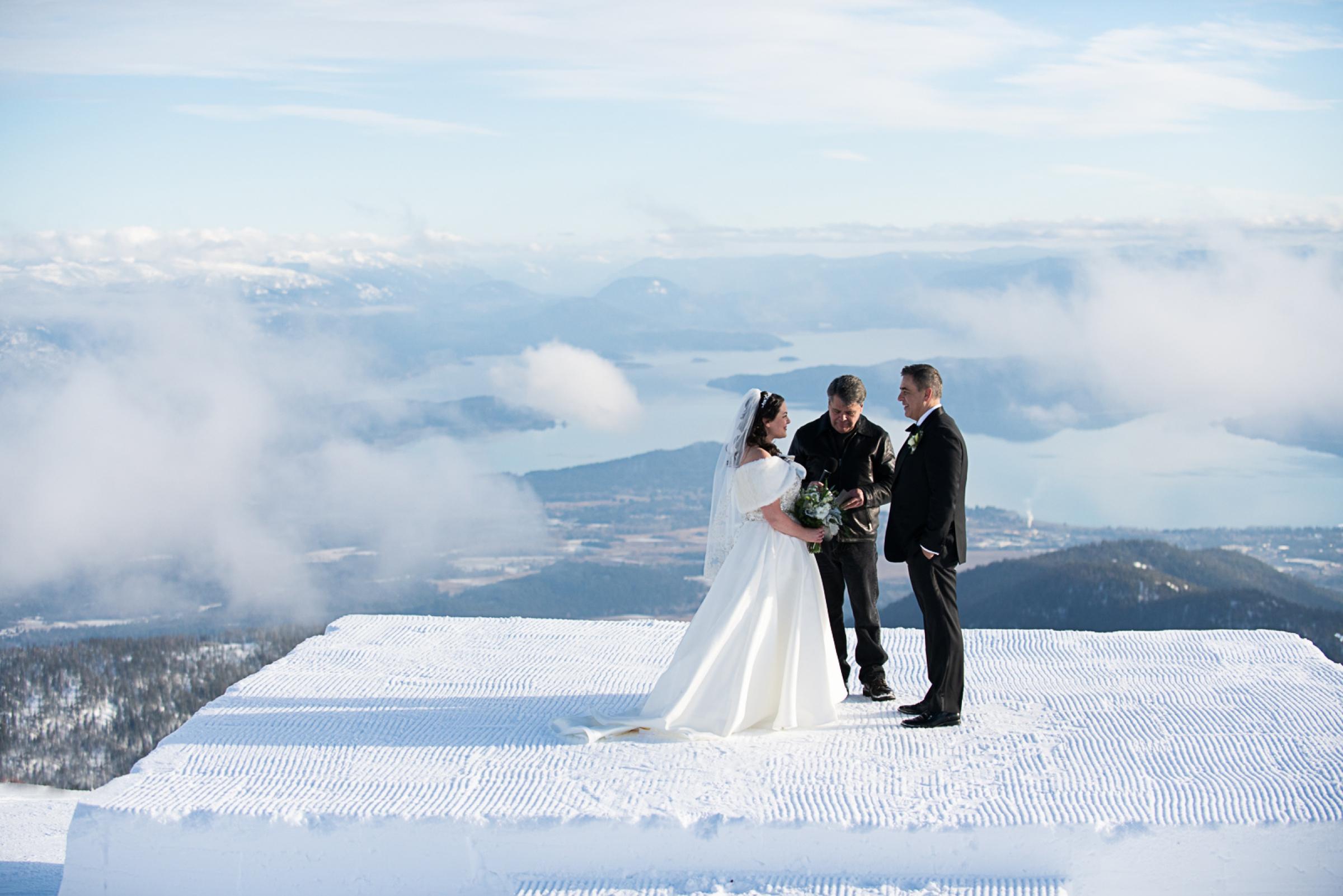 Janel-Gion-Wedding-Photographer-KristinRon-Sandpoint-Idaho.jpg_0006.jpg