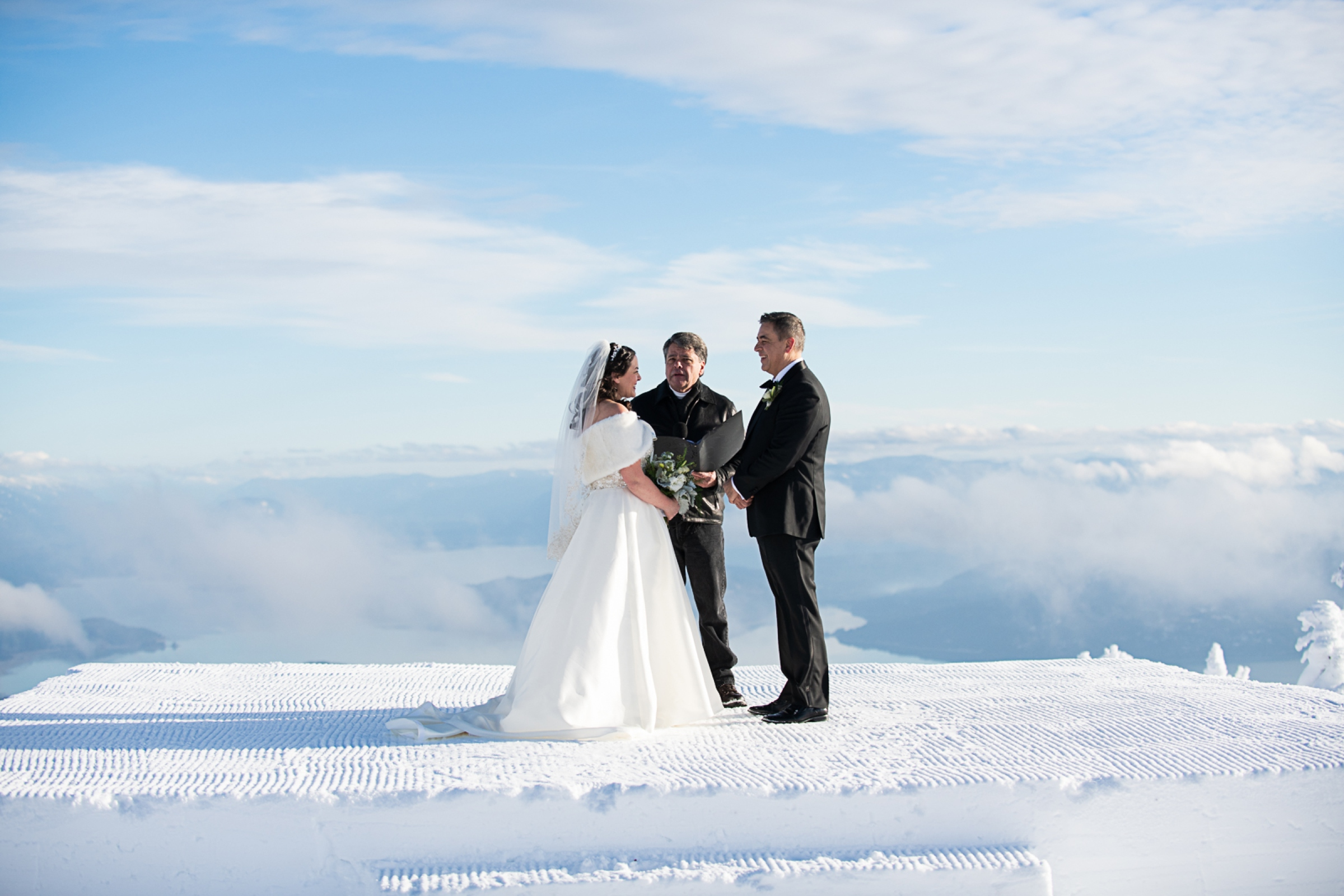 Janel-Gion-Wedding-Photographer-KristinRon-Sandpoint-Idaho.jpg_0007.jpg