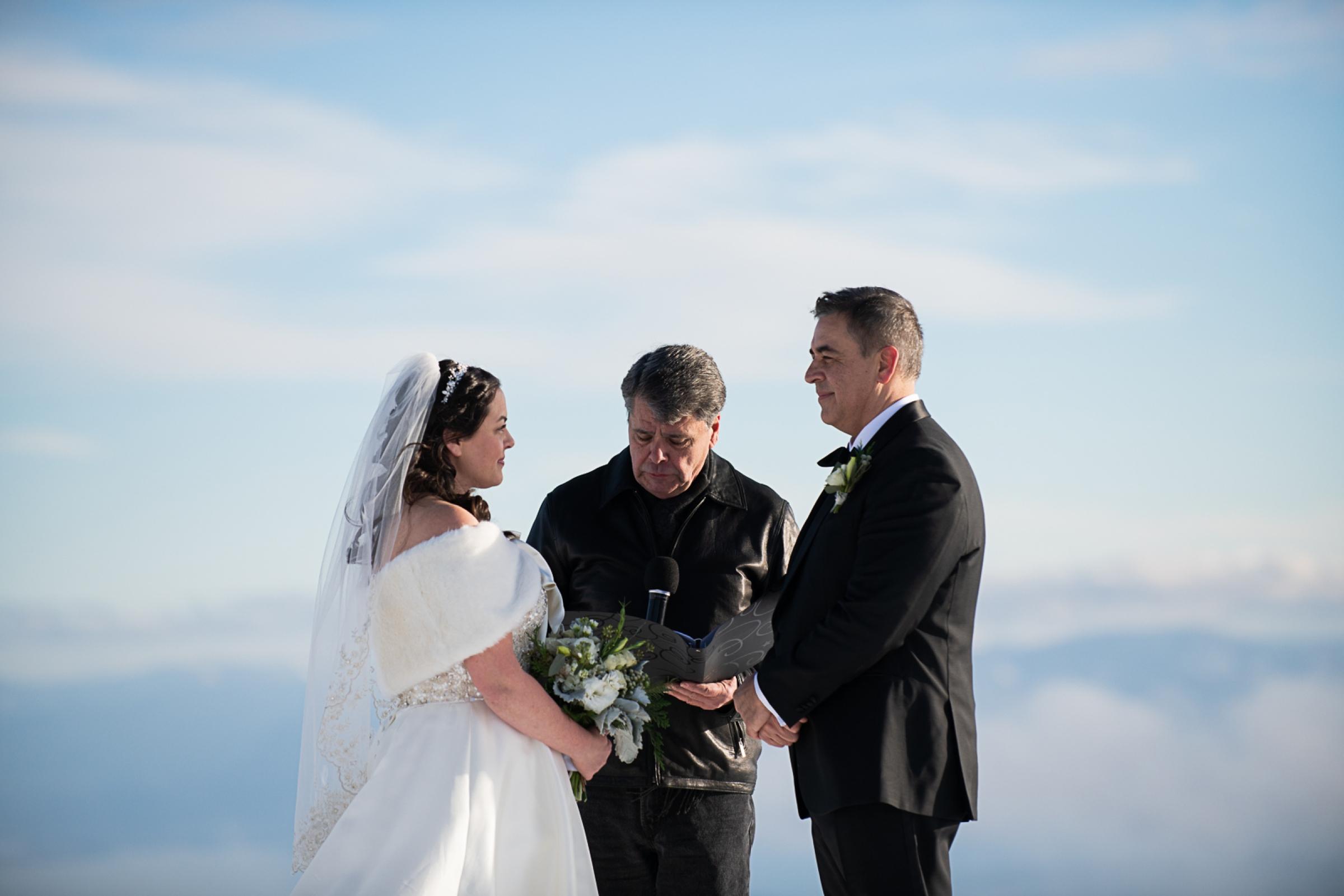 Janel-Gion-Wedding-Photographer-KristinRon-Sandpoint-Idaho.jpg_0008.jpg