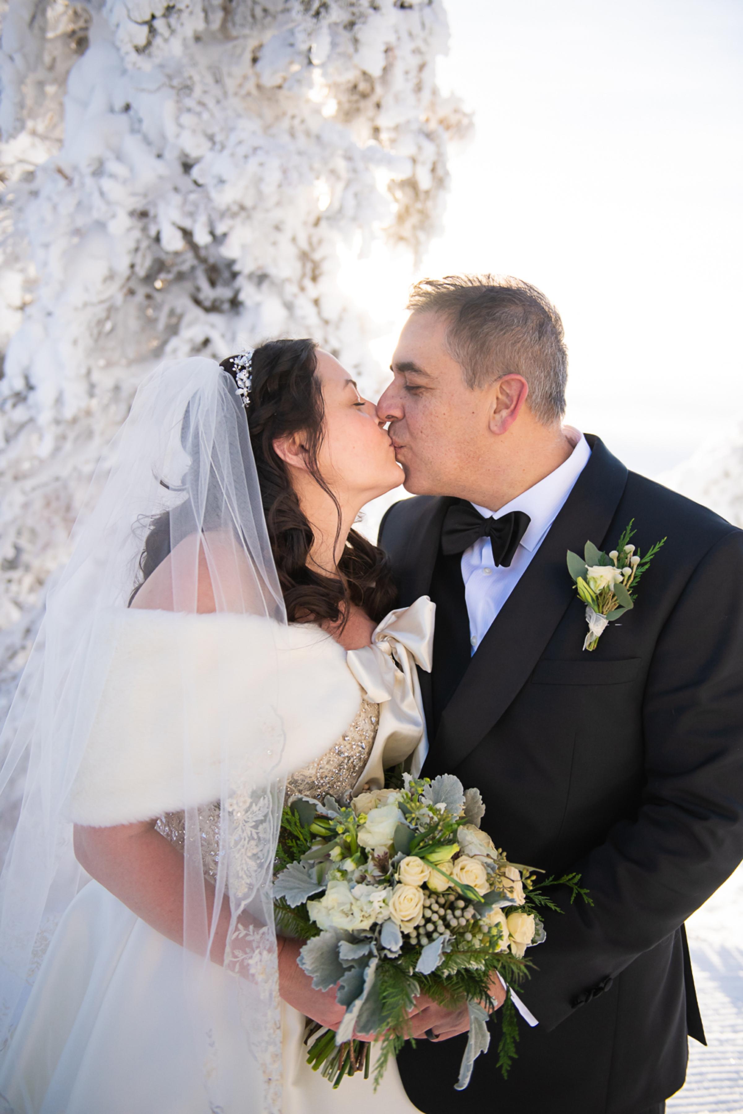 Janel-Gion-Wedding-Photographer-KristinRon-Sandpoint-Idaho.jpg_0013.jpg