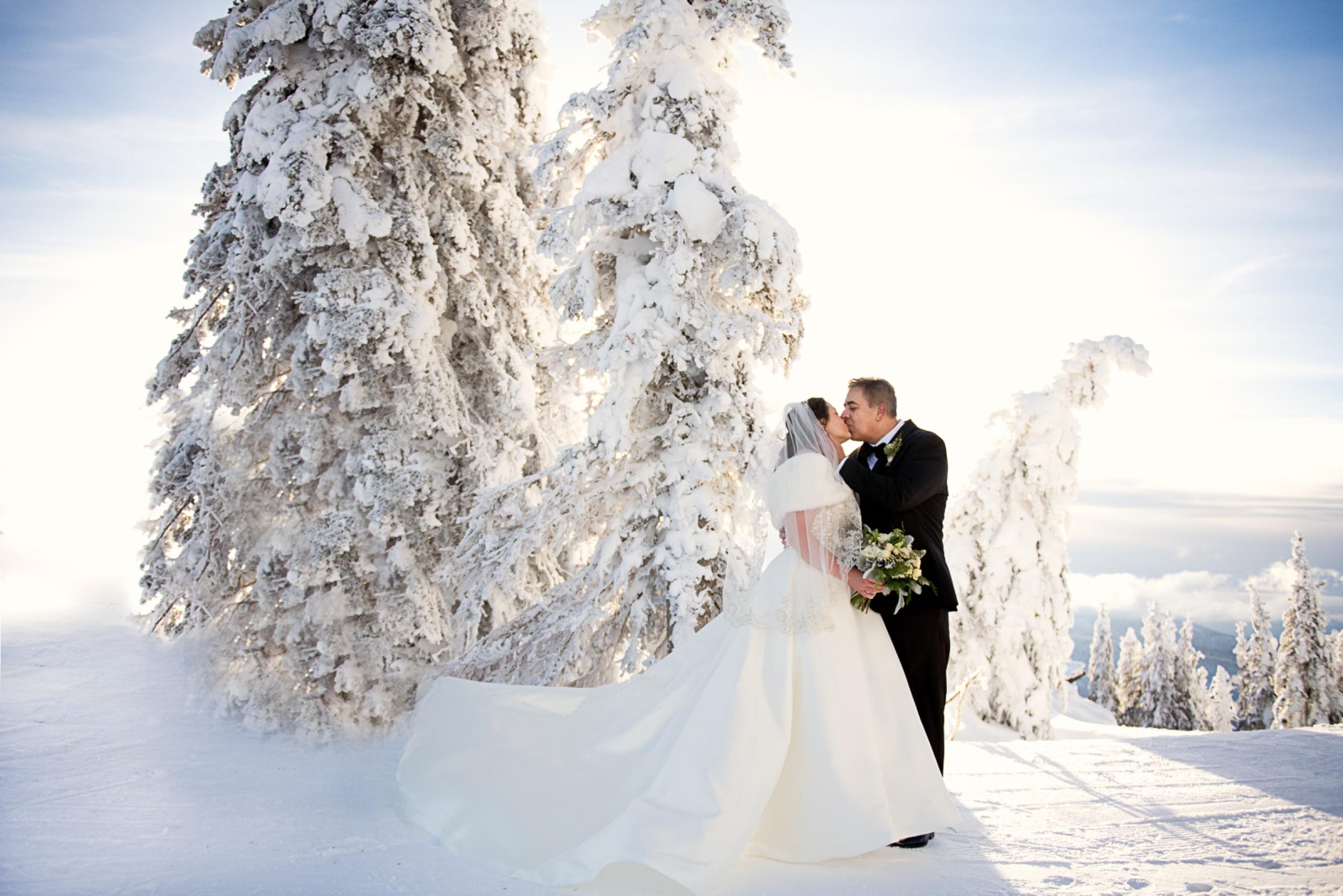 Janel-Gion-Wedding-Photographer-KristinRon-Sandpoint-Idaho.jpg_0014.jpg