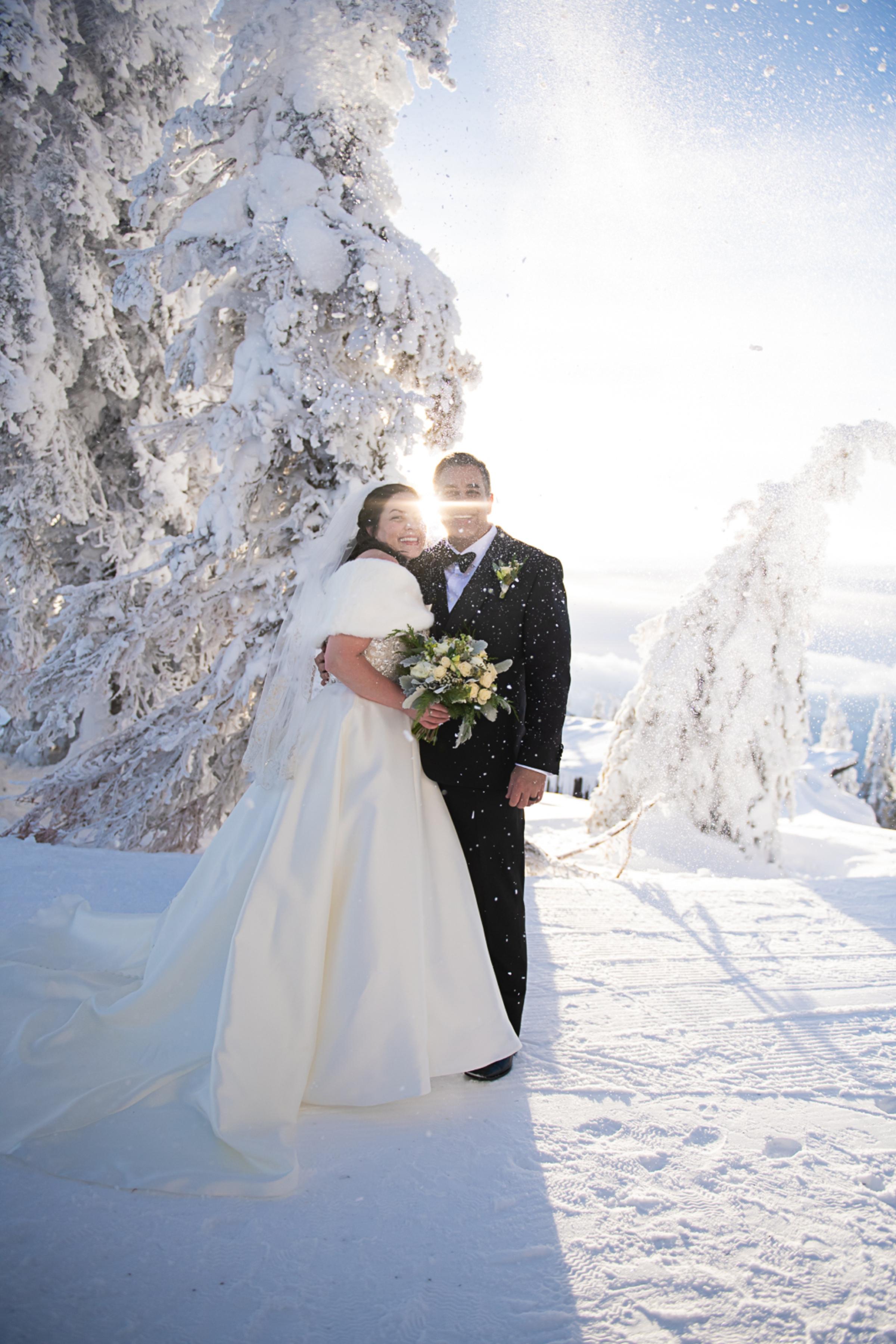 Janel-Gion-Wedding-Photographer-KristinRon-Sandpoint-Idaho.jpg_0015.jpg