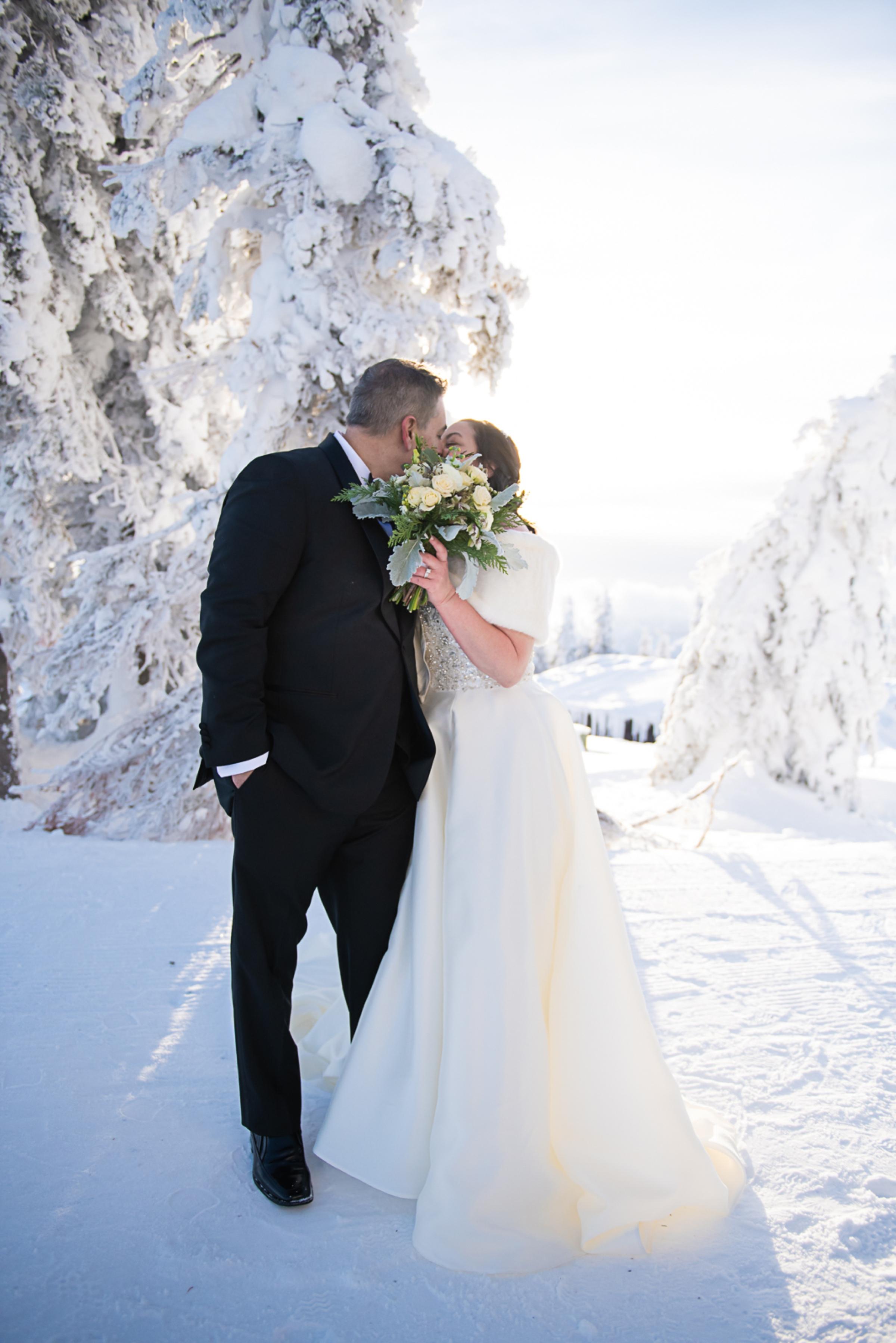 Janel-Gion-Wedding-Photographer-KristinRon-Sandpoint-Idaho.jpg_0016.jpg