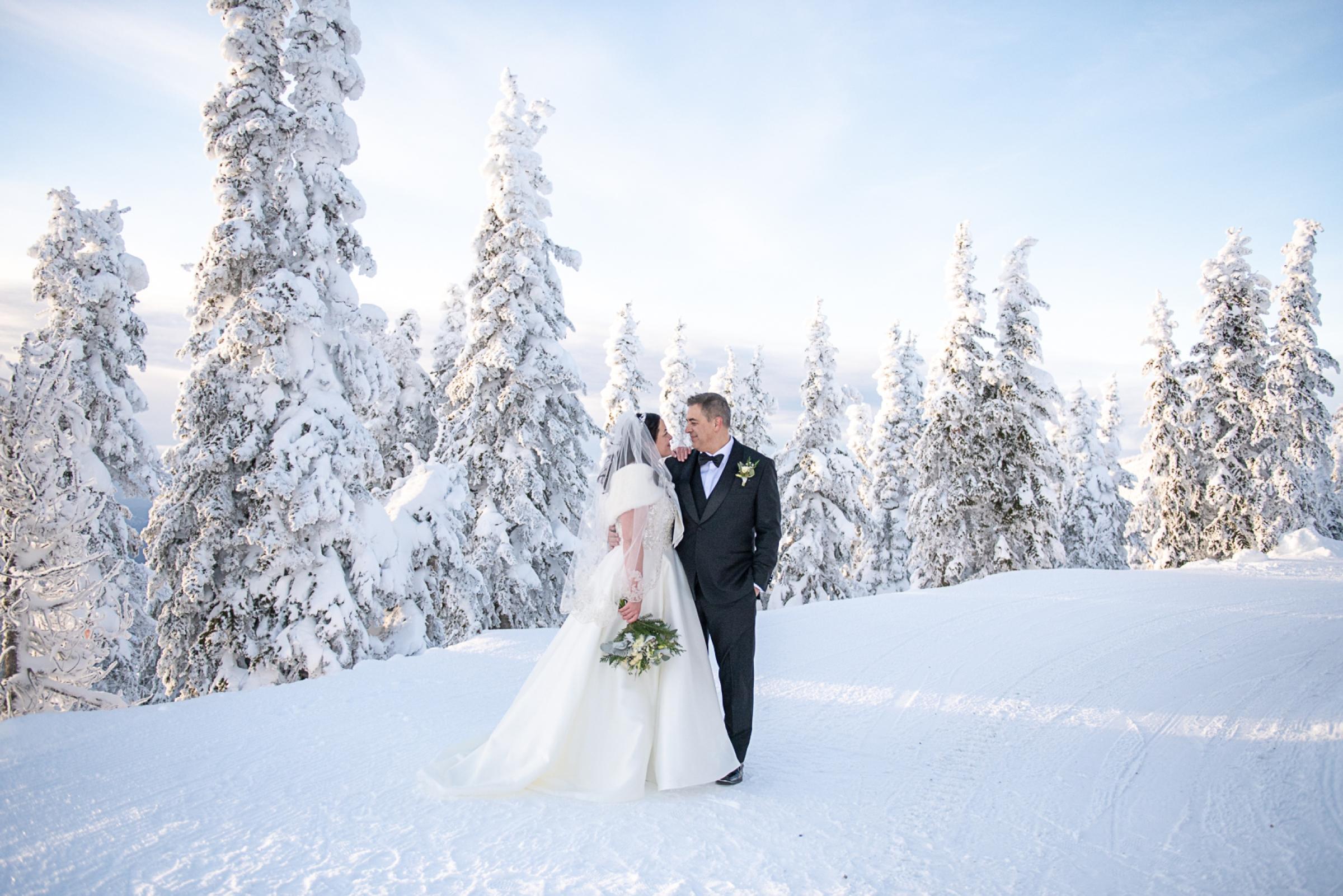 Janel-Gion-Wedding-Photographer-KristinRon-Sandpoint-Idaho.jpg_0021.jpg