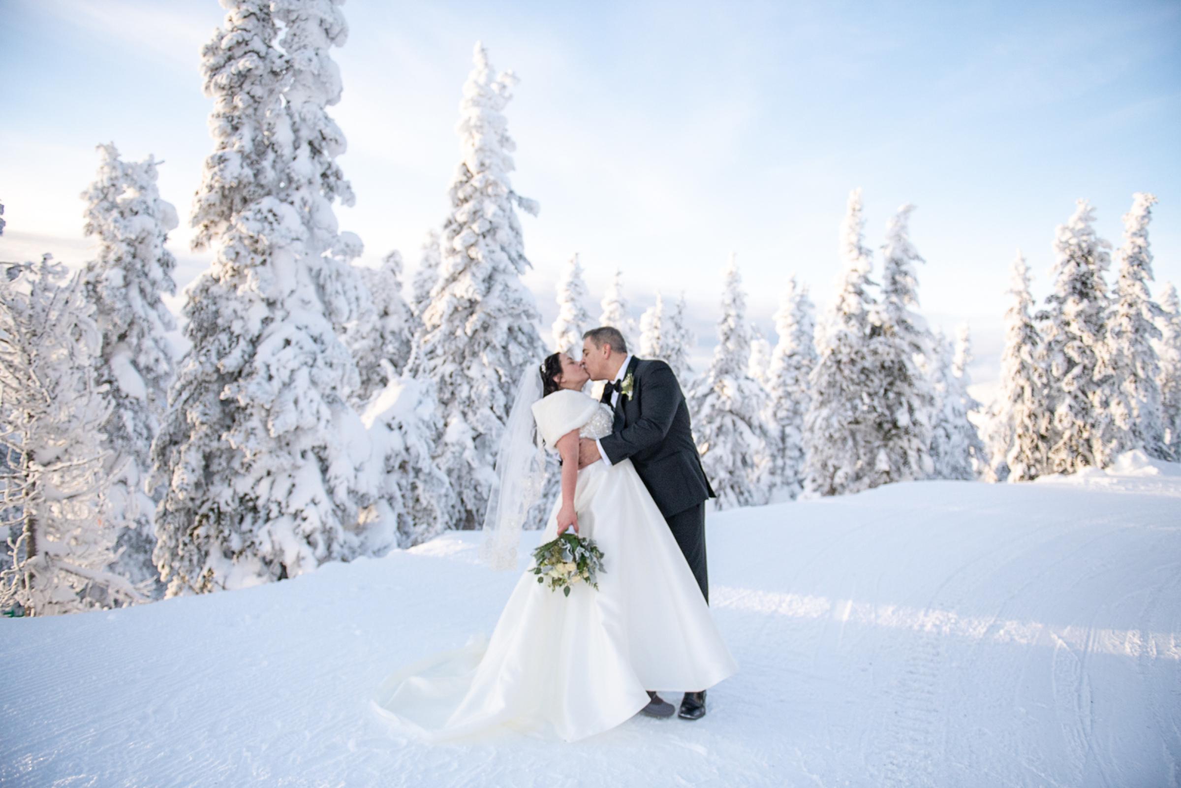 Janel-Gion-Wedding-Photographer-KristinRon-Sandpoint-Idaho.jpg_0022.jpg