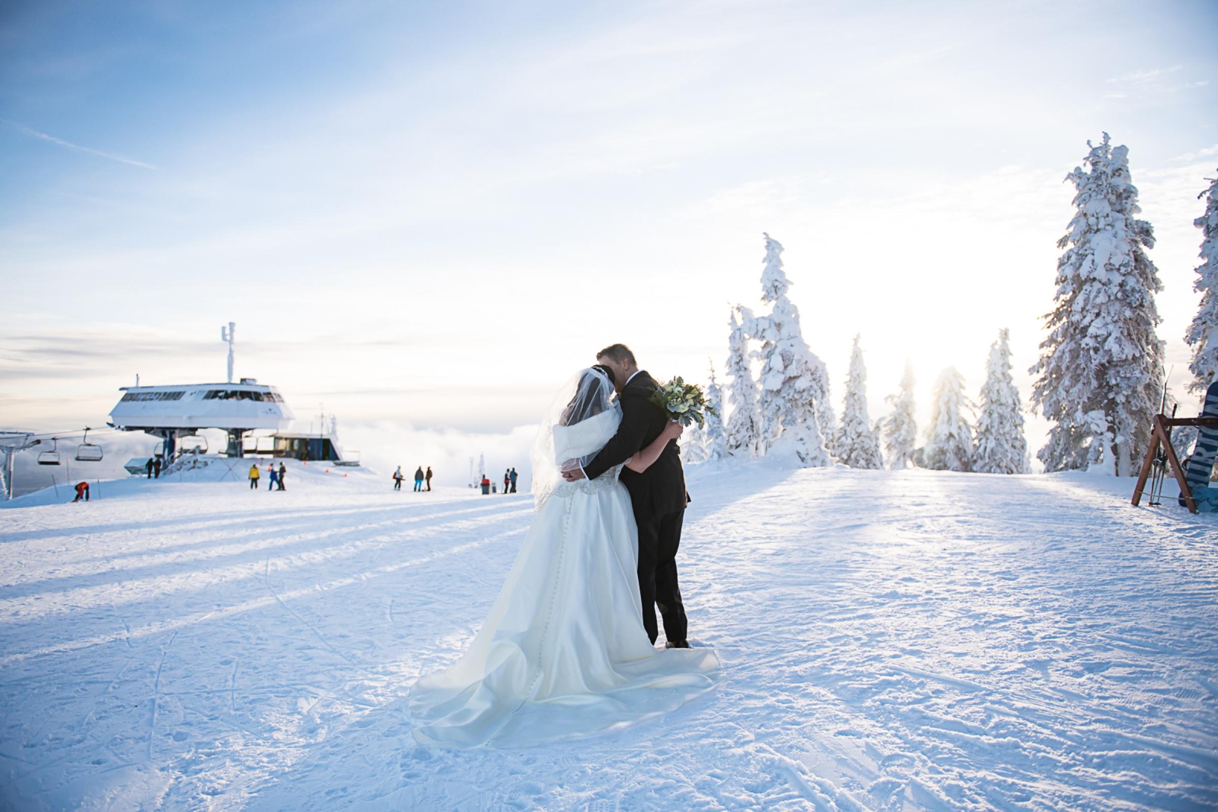 Janel-Gion-Wedding-Photographer-KristinRon-Sandpoint-Idaho.jpg_0024.jpg