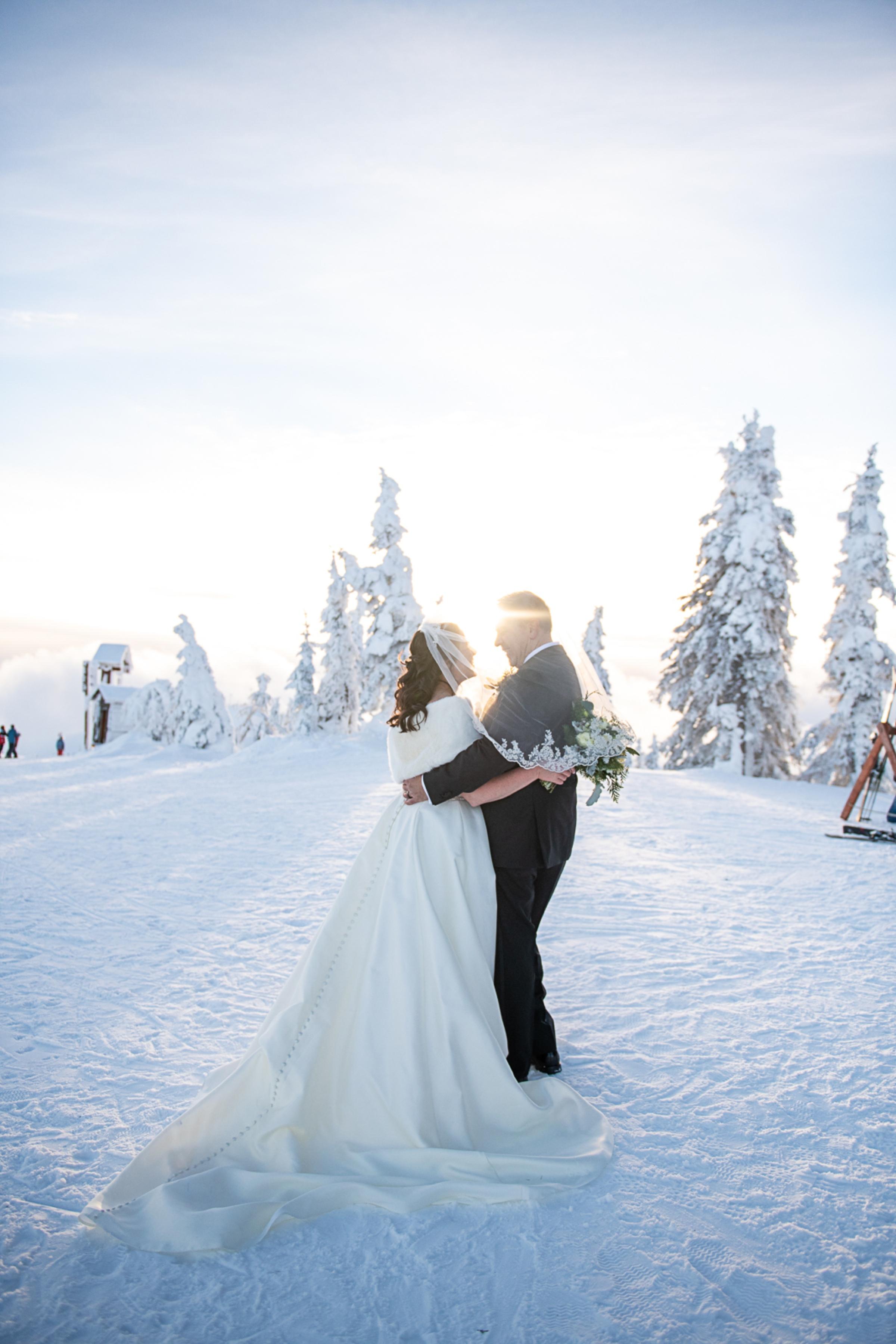 Janel-Gion-Wedding-Photographer-KristinRon-Sandpoint-Idaho.jpg_0026.jpg