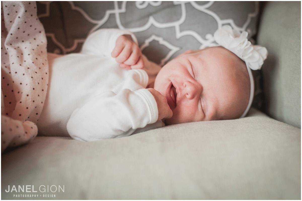 Janel-Gion-Sandpoint-Idaho-Newborn-Photographer_0003.png