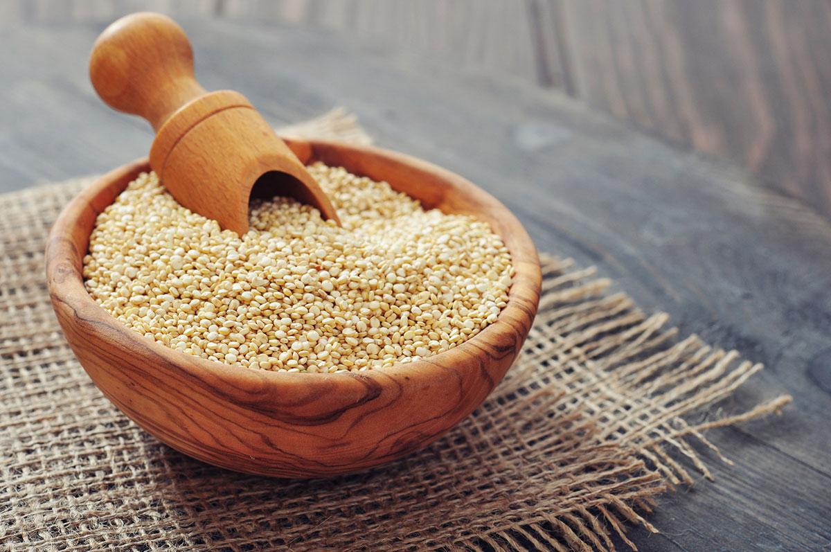 Quinoa-seeds-bowl.jpg