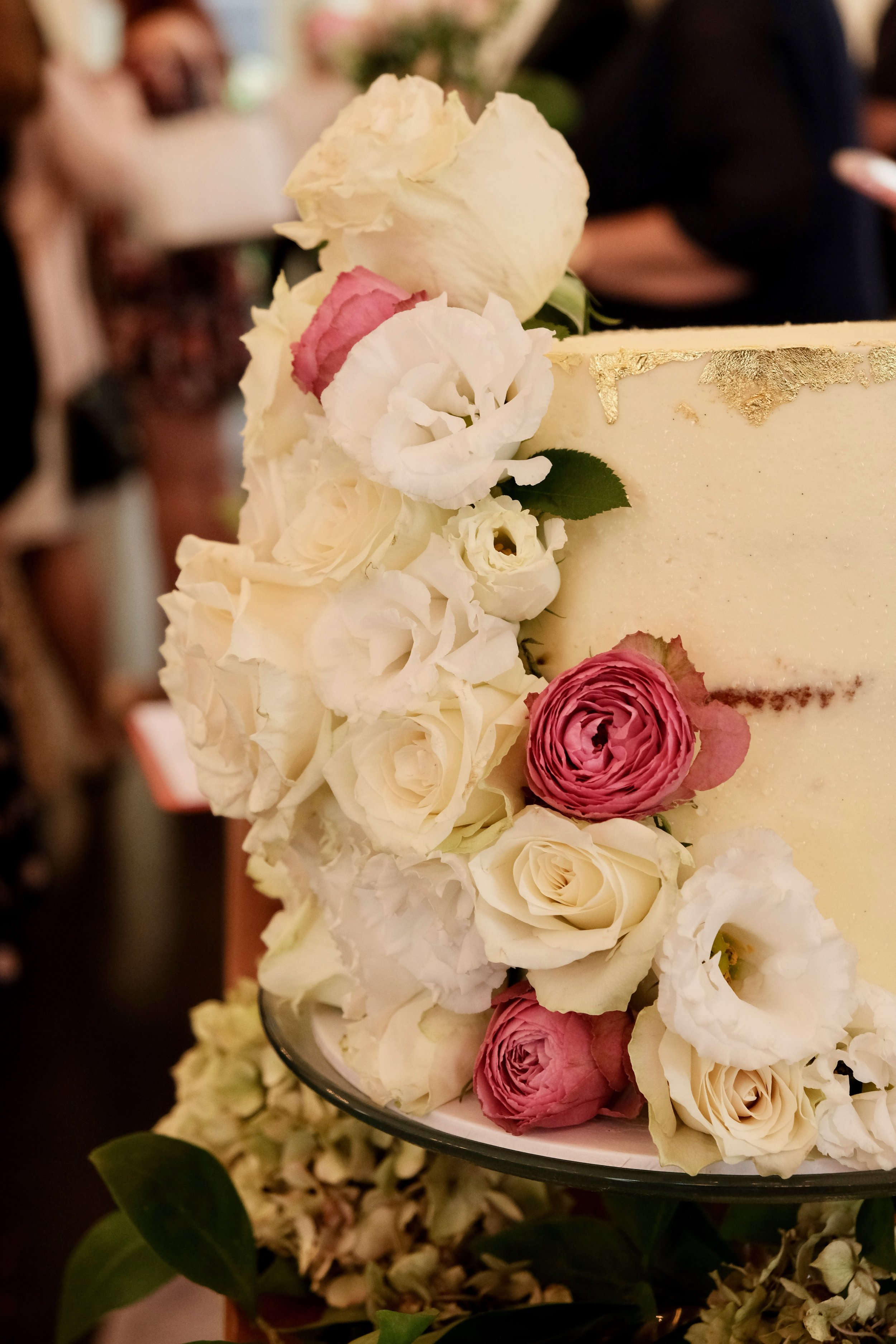 The prettiest cake from    Caity Maddison Styling