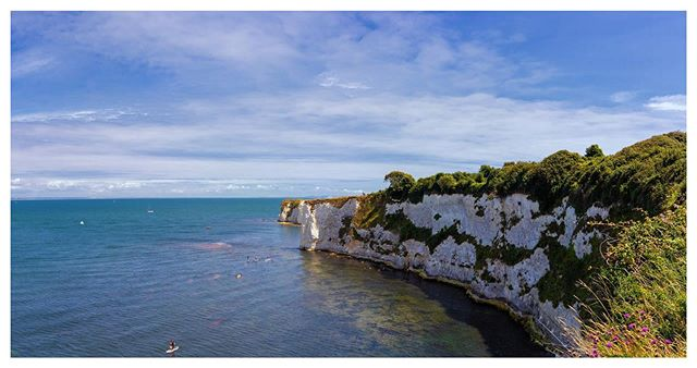 Views for days 😊 . . ———————————————— ———————————————— 📸 Canon 80D / 20mm Sigma 1.4 Art Lens * Please comment and like below * ———————————————— ———————————————— #positivevibes #canon80d #oldharryrocks #daysout #landscapephotography #landscapephoto #dorset #dorsetcoast #visitdorset @visitdorsetofficial #jurassiccoast