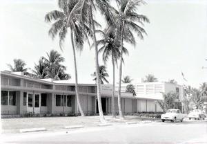 60-school-entrance-525x364.jpg
