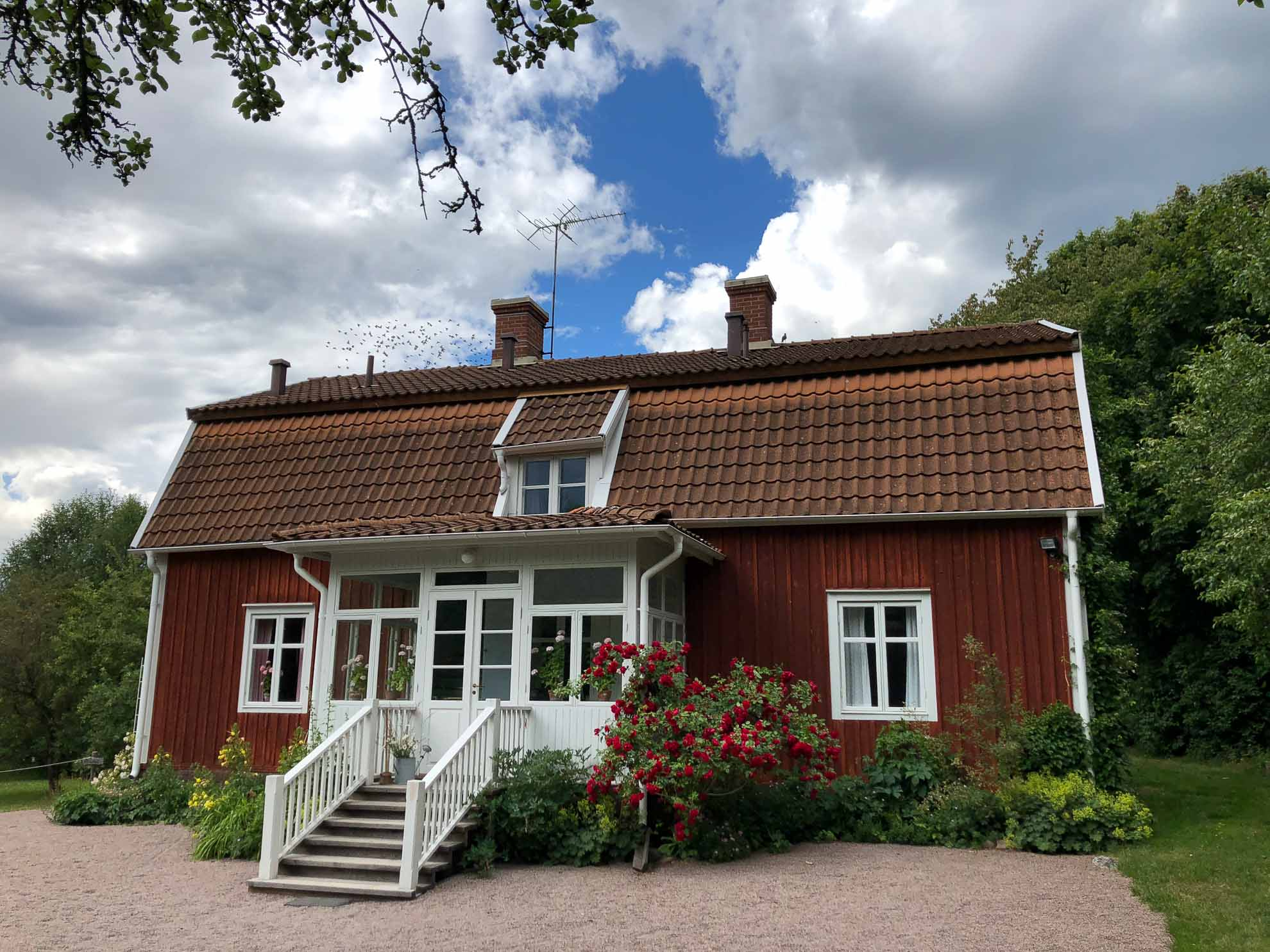 Hier steht Astrid Lindgrens Elternhaus, der Hof Näs.