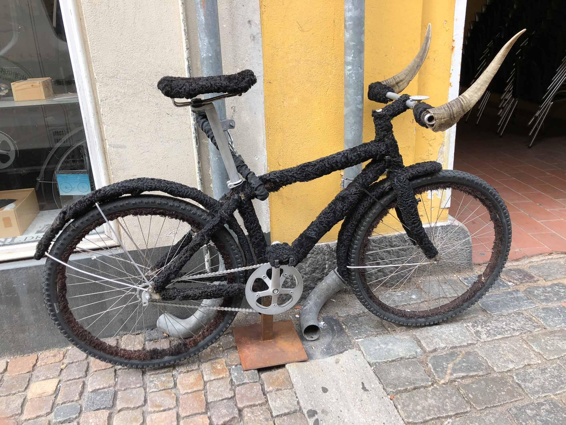 Praktisch oder beängstigend? Ein etwas anderes Fahrrad ...