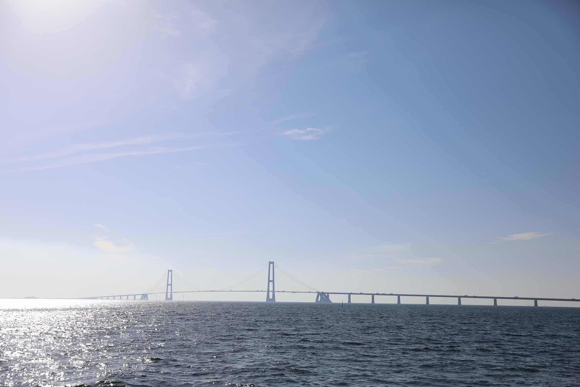 Es soll rund um Seeland gehen – Malaika fährt auf dem Großen Belt nach Norden bis kurz vor die Große-Belt-Brücke.
