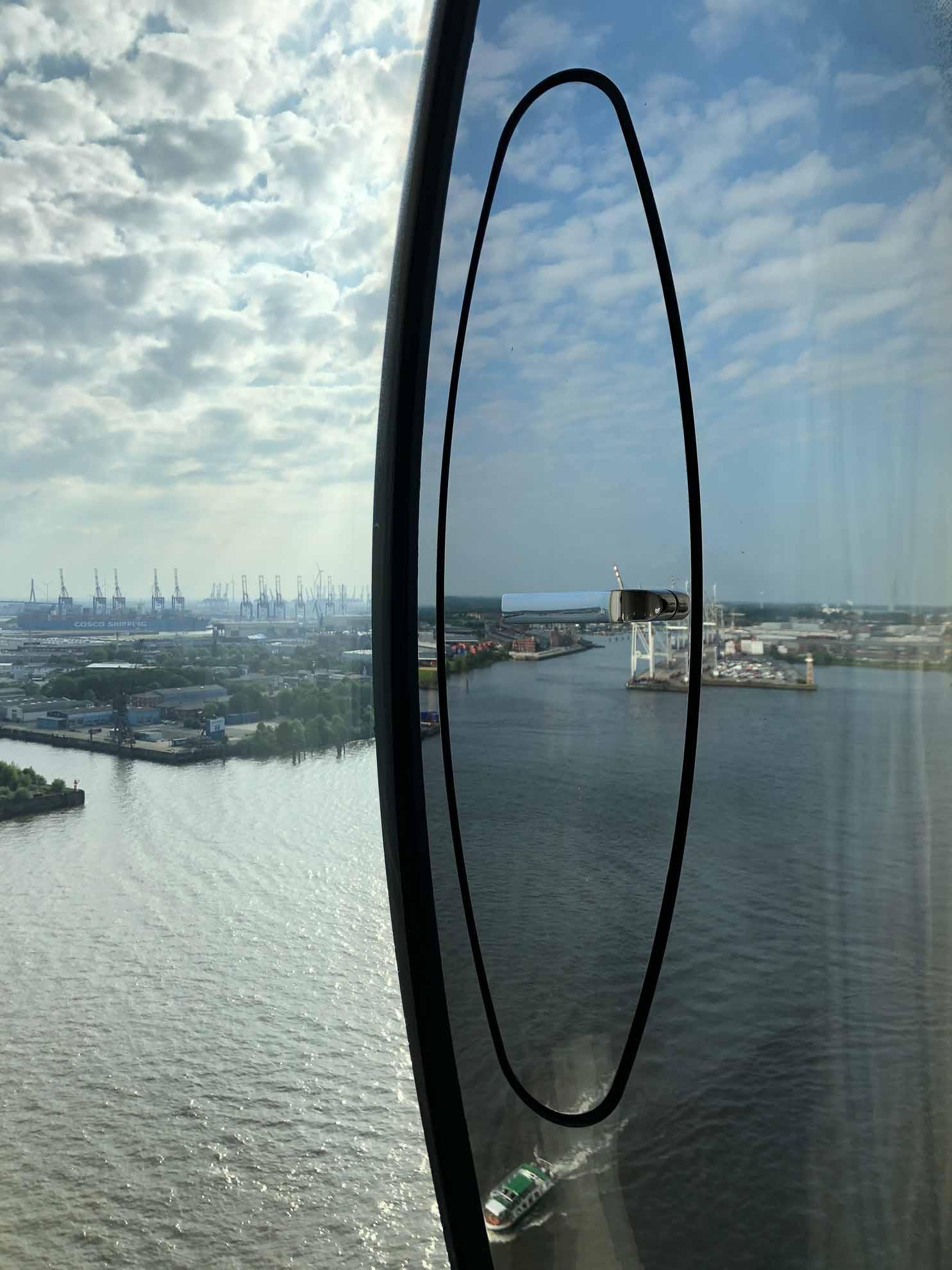 Der fantastische Ausblick aus dem Hotelzimmer der Elbphilharmonie.