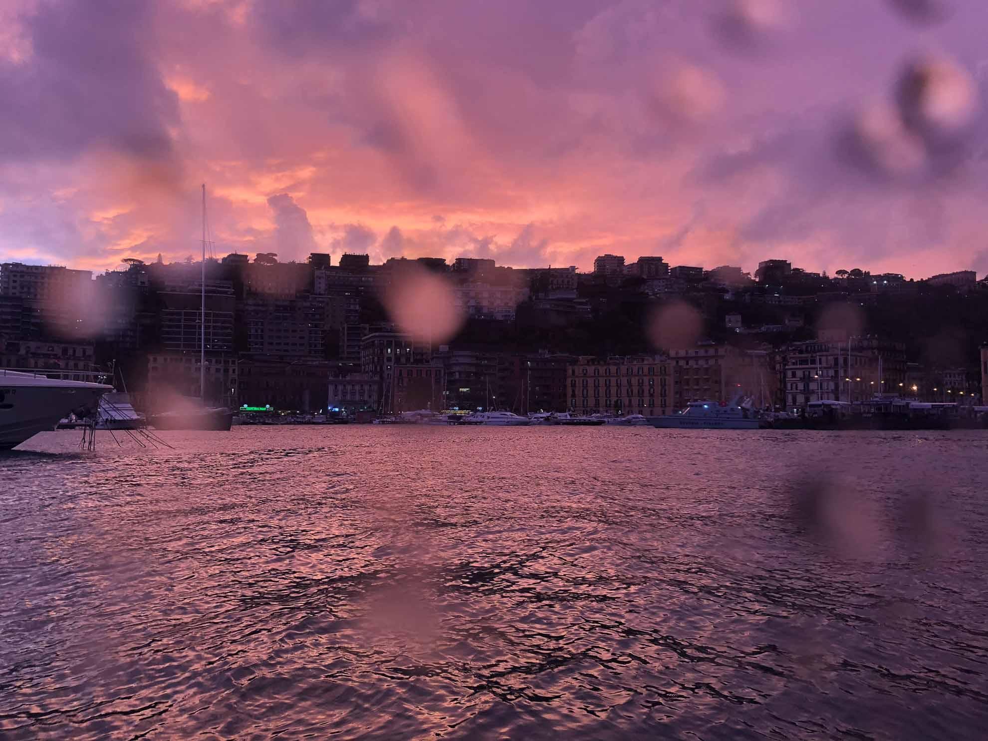 ... und das abendliche Licht im Hafen.