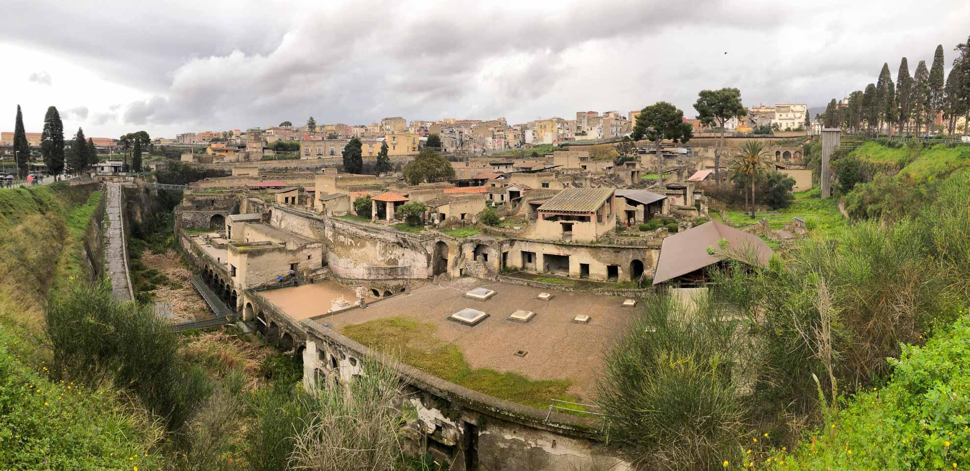 Pompeji war beeindruckend, doch es gibt noch weitere einst verschüttete antike Städte in der Region zu entdecken.