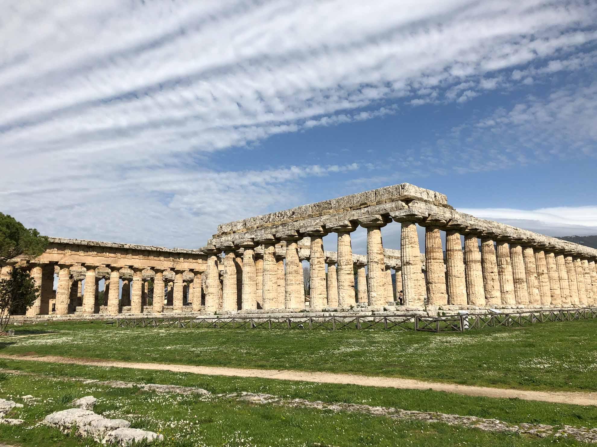 """Die """"Basilica"""", der älteste Tempel von Paestum."""