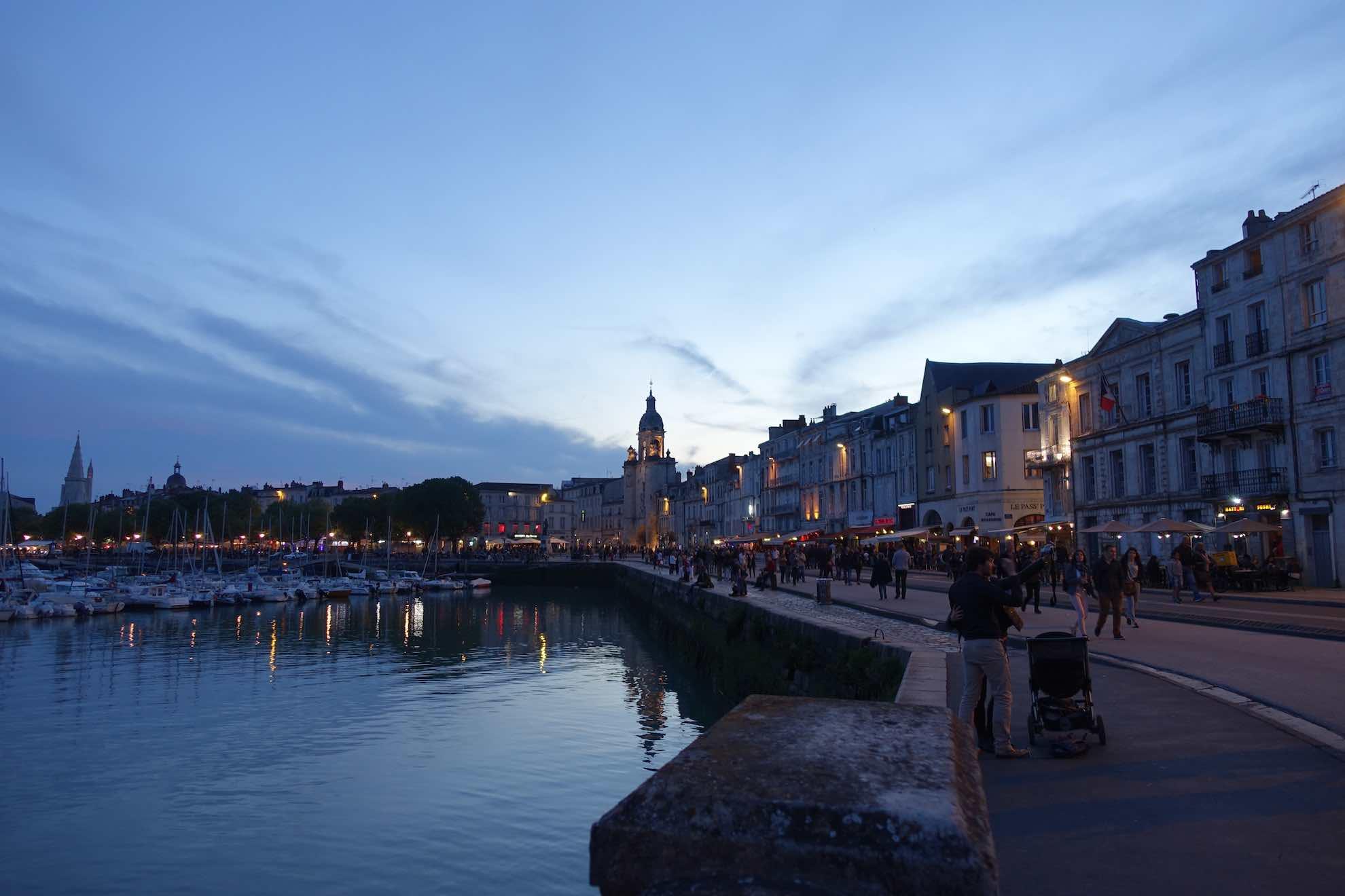 Abendstimmung in La Rochelle. Bald geht's los.