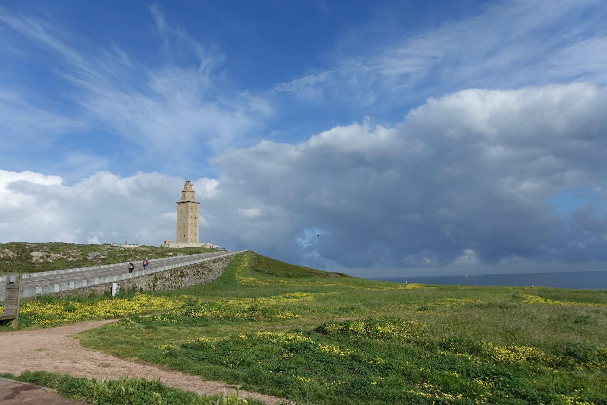 Der älteste aktive Leuchtturm der Welt ist 59 Meter hoch und wurde von den Römern im 1. Jahrhundert gebaut.