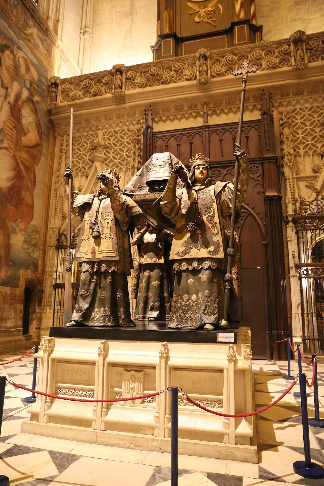 Hier ist auch das Grab des Kolumbus.