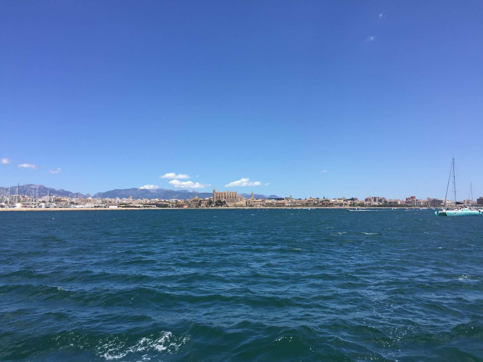Wir lassen Palma de Mallorca hinter uns.