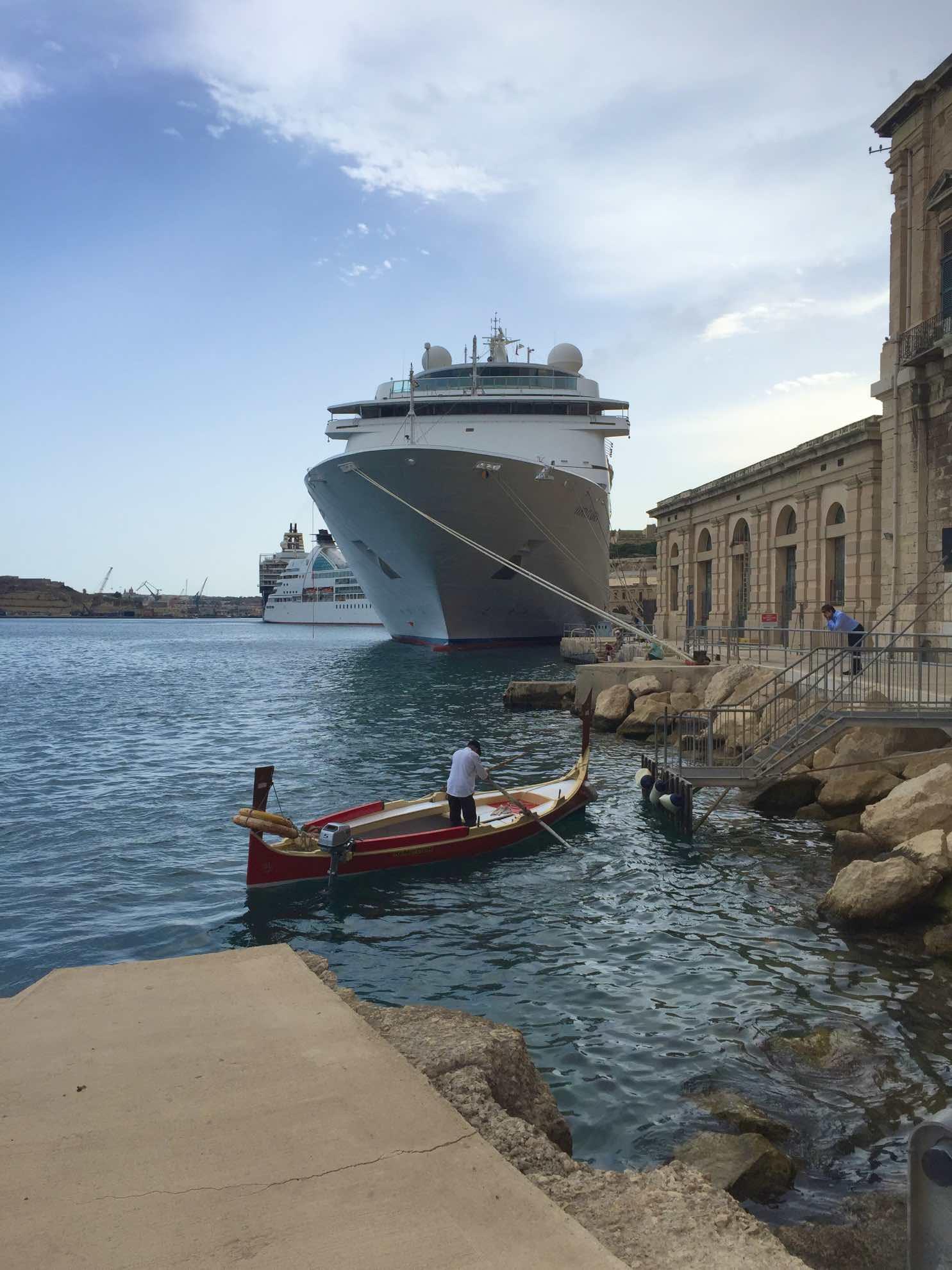 Einen eigenen Yachthafen hat Valletta nicht. Trotzdem ist es die offizielle Heimat von Malaika.