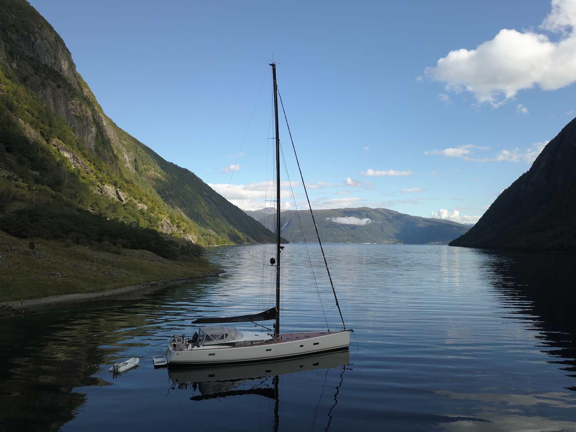 Zum Ankern im Sognefjord ...